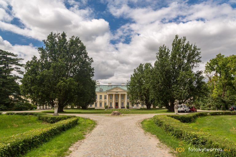 Pałac w Walewicach